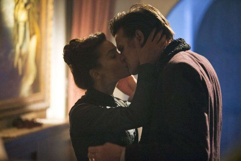 """Doctor Who - """"The Snowmen"""" Kiss"""
