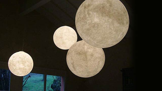 I Love These Giant Moon Lamps