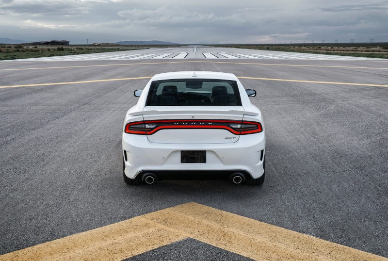 The Dodge Charger Hellcat Is The First Mass-Produced 200 MPH Family Car
