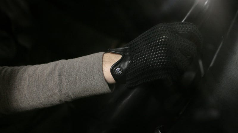 These Stringback Driving Gloves Make You Feel Like A '50s Racer