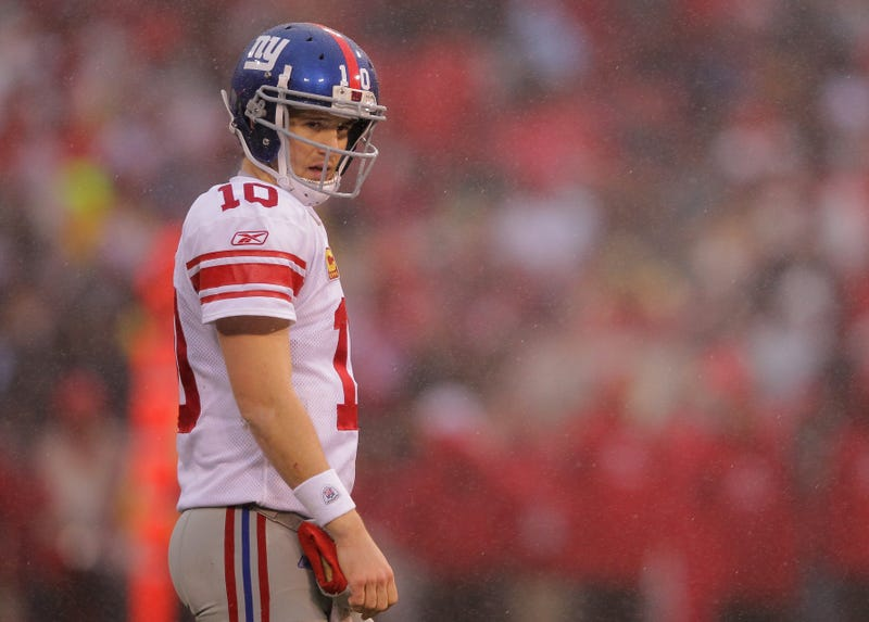 Lawsuit Accuses Giants, Eli Manning Of Pushing Fake Memorabilia