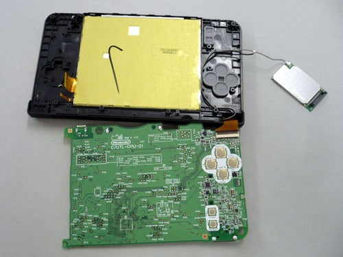 Tearing The DSi LL To Pieces