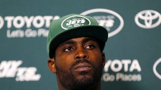 Michael Vick Is Learning To Live Boat-Free