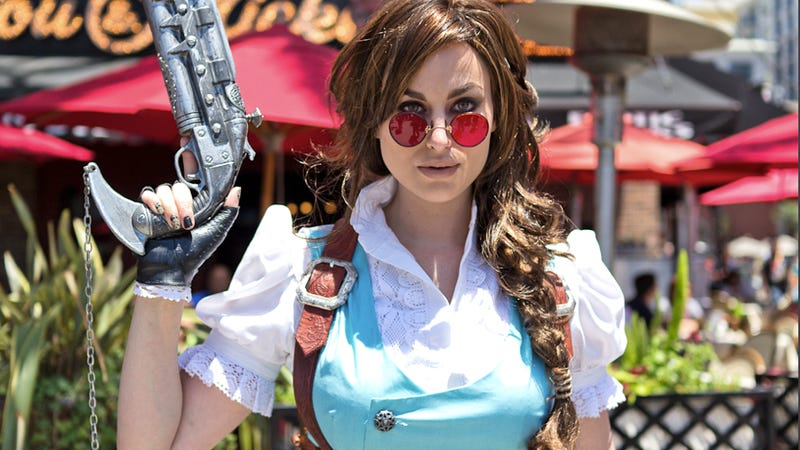 Steampunk Lara Croft Sure Looks Like a Good Idea