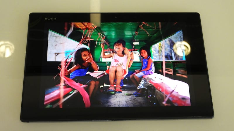 Sony Xperia Z2 Tablet Hands-On: A Familiar Waterproof Monolith