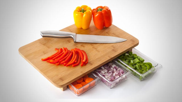 Mocubo Is a Cutting Board That Keeps Track of What You Slice and Dice in the Kitchen