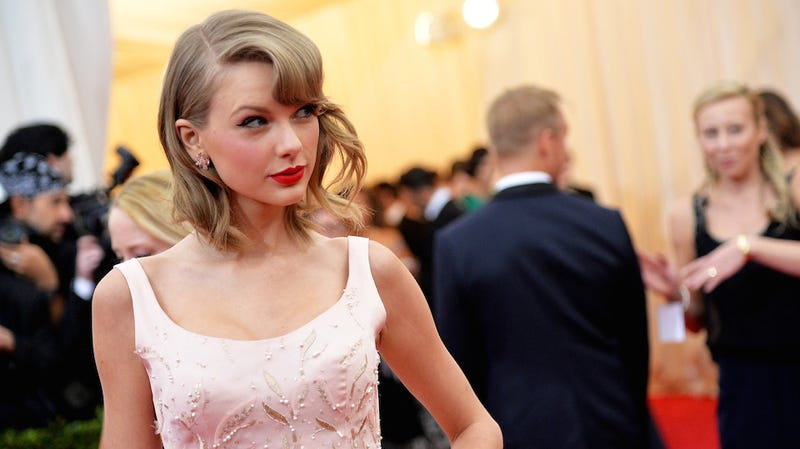 Report: Orlando Bloom Won't Stop Begging Taylor Swift for a Date