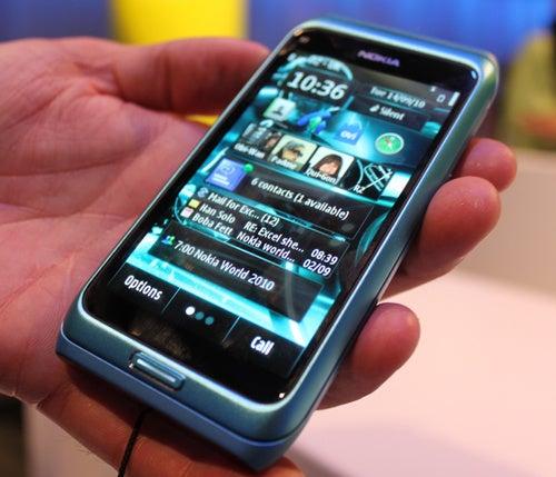 Nokia E7 Gallery
