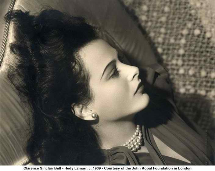 Spend the holiday with Hedy
