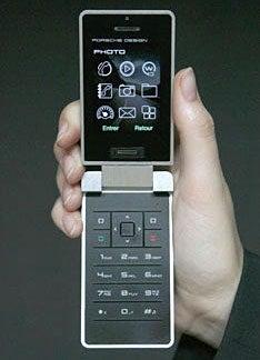 Porsche Design Unveils P'9521 Mobile Phone