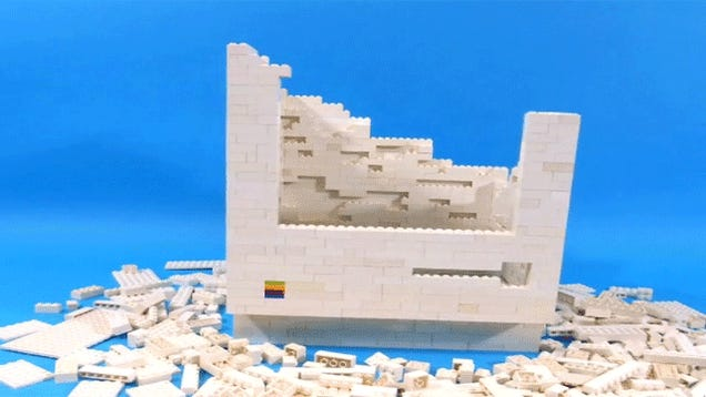 Watch a pile of Lego bricks transform into an original Macintosh