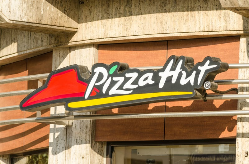 Pizza Hut GM Axed For Giving Workers Off Thanksgiving Offered Job Back