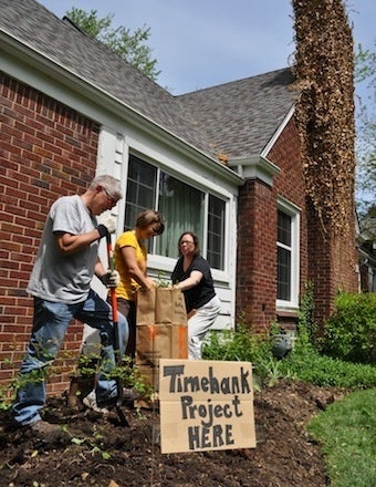 Start a Neighborhood Time Bank to Help Out on DIY Projects, Get to Know Your Neighbors