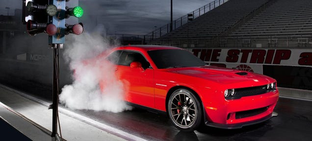 The 707 HP Dodge Challenger SRT Hellcat Is A 10-Second Car