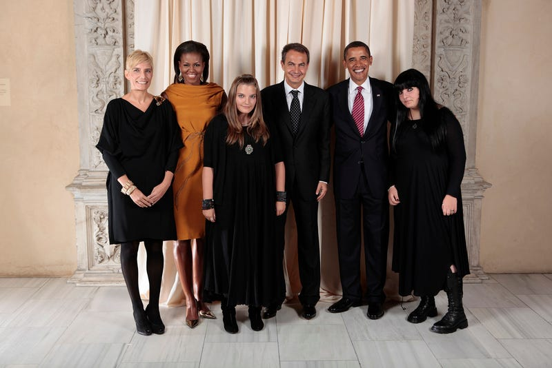 Spain's Goth First Daughters Embarrass, Embarrassed By Dad