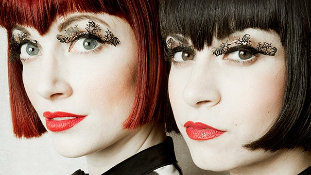 Detailed Paper-Cut False Eyelashes Depict Entire Scenes On Your Eyelids