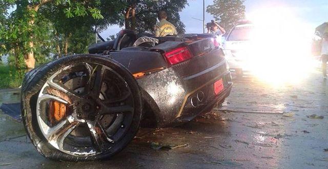 Crash Rips Lamborghini Gallardo In Half, Driver Walks Away