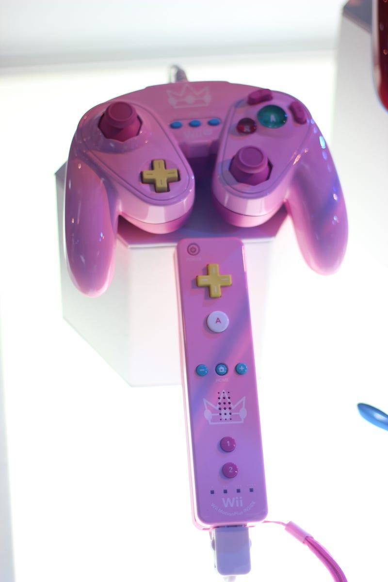 The New Wii U GameCube Controllers Are Super Hot