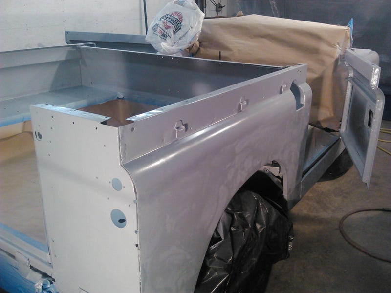 Some pics of a Land Rover going into primer