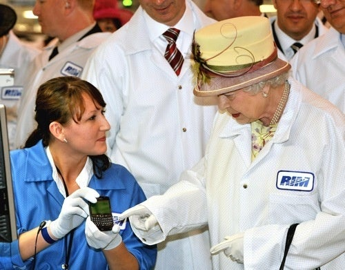Queen Elizabeth Is A BlackBerry Addict