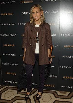 Gwyneth Looks Bored, Models Look Hot At Iron Man Premiere