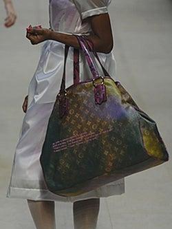 Huge Bags: Hot. Chiropractor Bills: Not