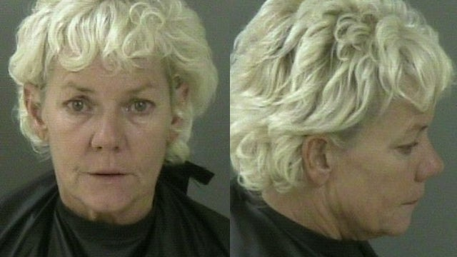 Florida Woman Who Caught Husband Cheating Takes Dump on the Floor, Asks Cops 'What Was I Supposed to Do'