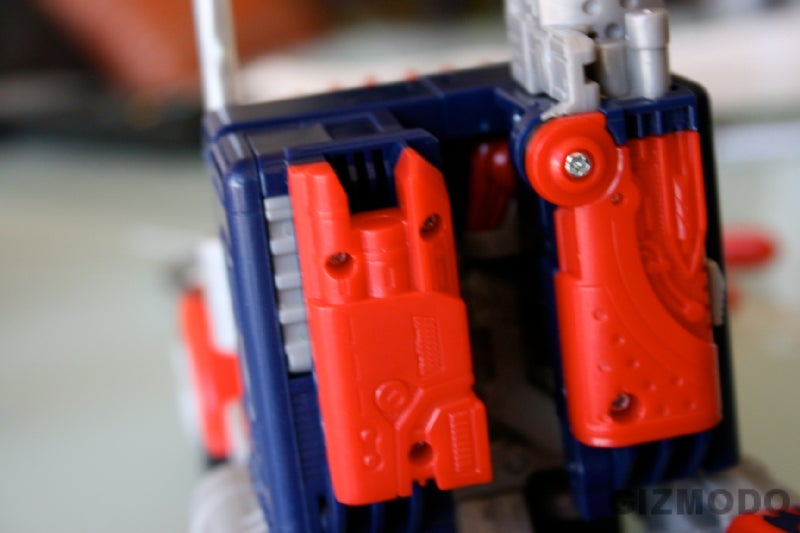 Hands-on With the New Optimus Prime Transformer