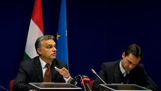 Nocsak, Orbán Viktor tudja, kiket tiltottak ki?
