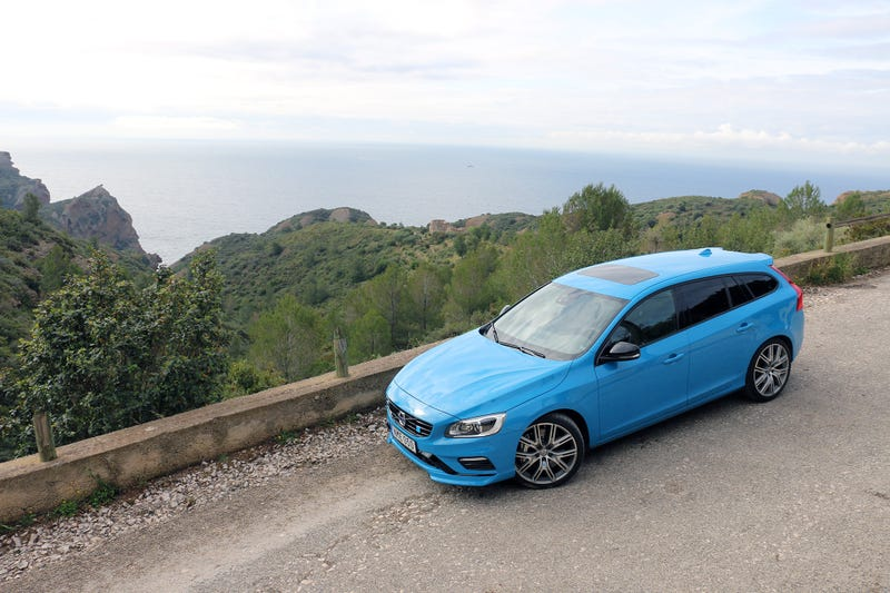 Frum volvo portugal ver tpico polestar a diviso desportiva the new s60 and v60 will come in 2018 but in the meantime volvo will sell you a 2017 polestar for the same price as the 2016 car fully loaded fandeluxe Image collections