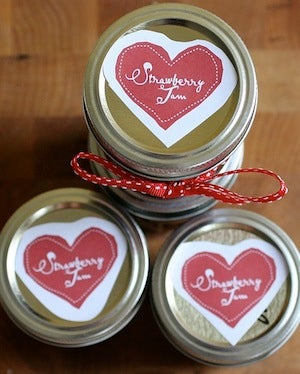 When Is It Appropriate to Give Handmade, DIY Presents for the Holidays?