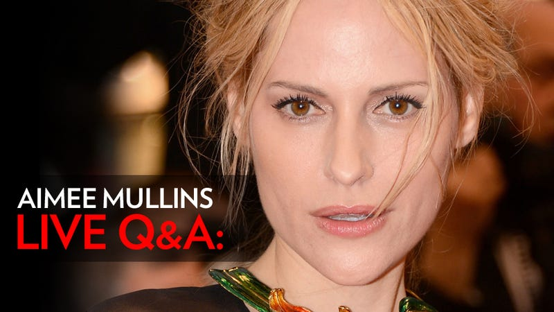 Paralympian, Model and Wonder Woman Aimee Mullins Is Here to Take Your Questions