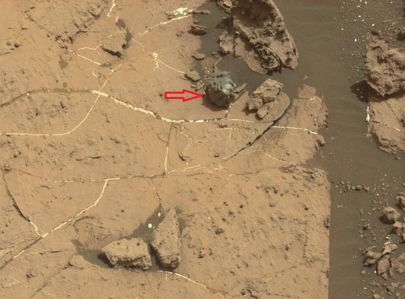 Curiosity Just Found a Freaky Metal Meteorite on Mars