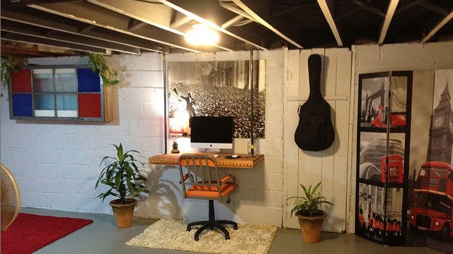 The Floating Desk Workspace