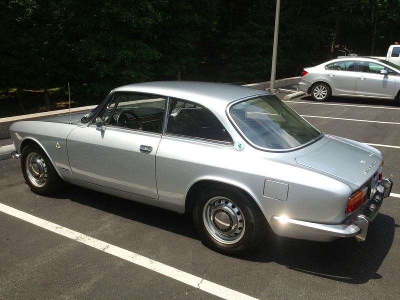 Sunday Drive: 1971 Alfa Romeo GTV