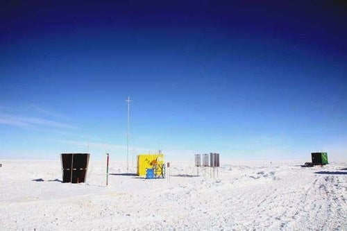 Astronomers Send Robots to Stargaze in Very Worst Place on Earth for Humans