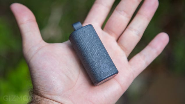Moto Hint Review: ​The First Bluetooth Headset I Wasn't Ashamed to Wear