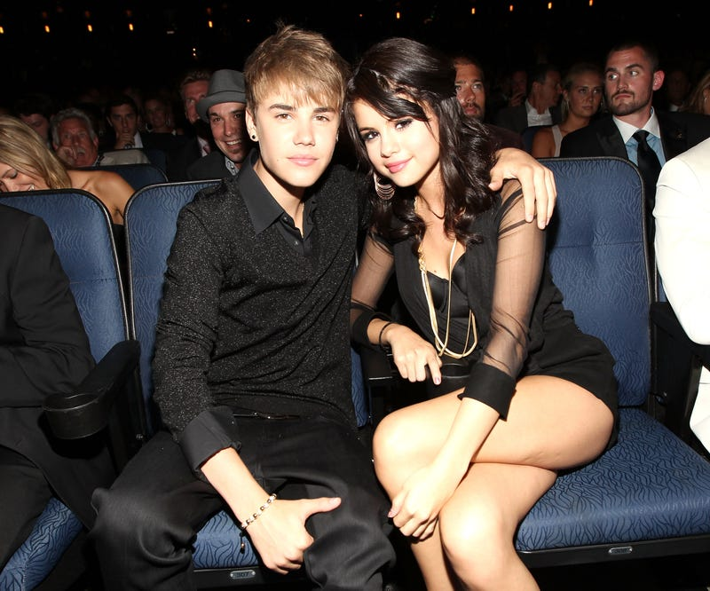 Selena Gomez Ditches Dinner Date With Justin Bieber, Locks Him Out of Her House