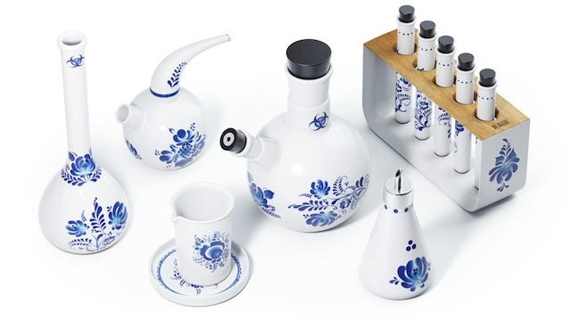 Ceramic chemistry set is perfect for tea-loving scientists