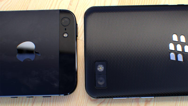 Sorry Apple, the BlackBerry Z10 Is Hotter Than the iPhone