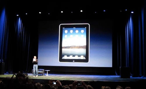 Steve Jobs Reveals the iPad - Video
