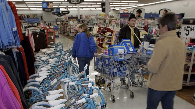 Retailers Think Cluttered Store Aisles Will Make You Buy More
