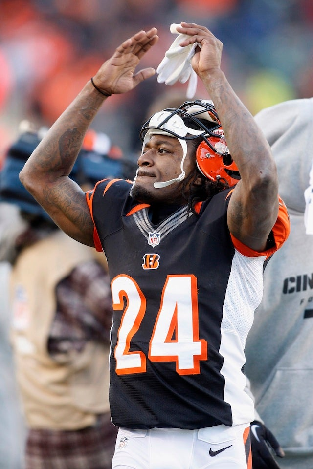 Pacman Jones Tweets News Of His Latest Arrest—For Hitting A Woman