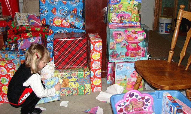 How Much Money Should I Spend on Gifts for Different Occasions?