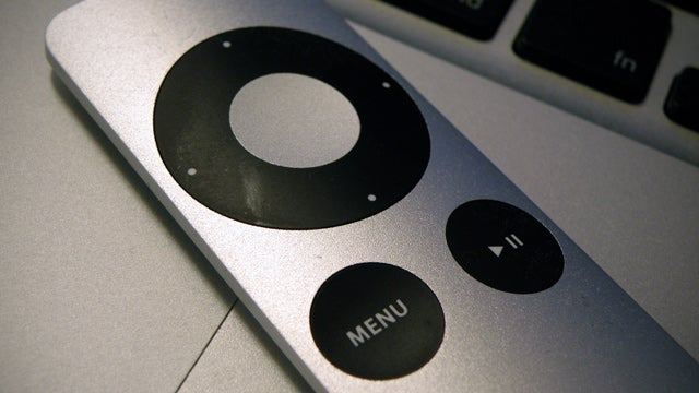 Use an Apple Remote to Put Your Mac to Sleep From Bed