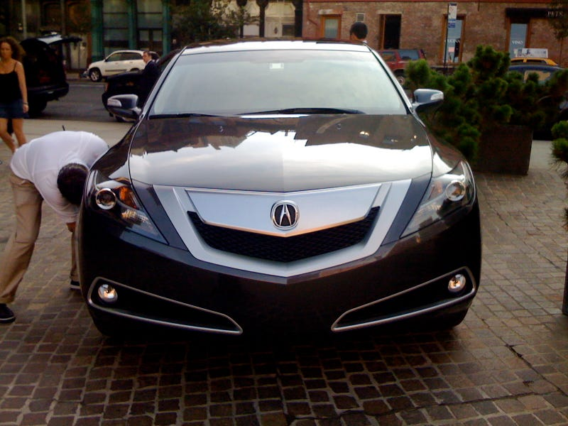 Acura ZDX: Live Photos