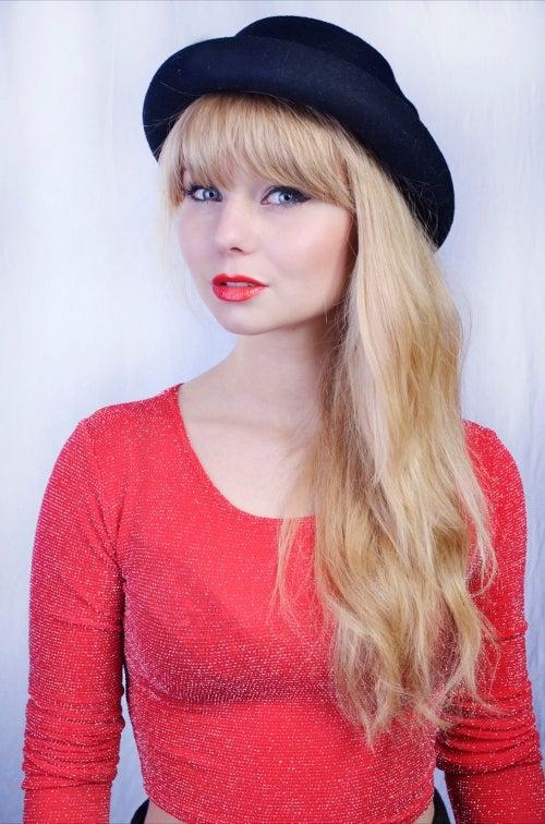 Teen Says Jealous Bullies Broke Her Jaw for Looking Like Taylor Swift