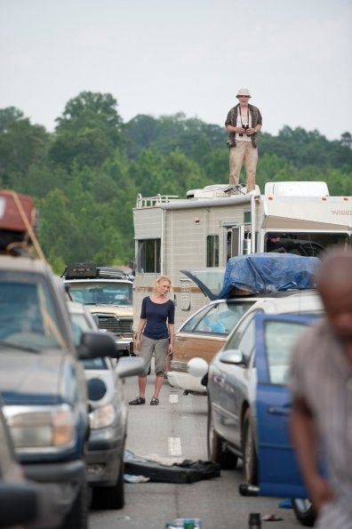 "The Walking Dead 2x01, ""What Lies Ahead"" Pictures"