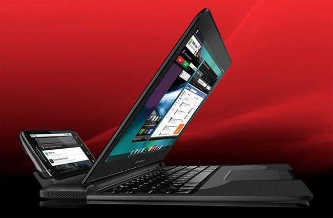 AT&T's Motorola Atrix Coming March 6 for $200, But the Laptop Dock Will Cost You