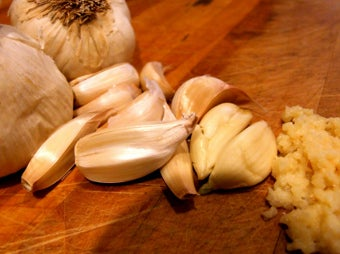 Learn How Garlic and Onions Really Work for Better Cooking